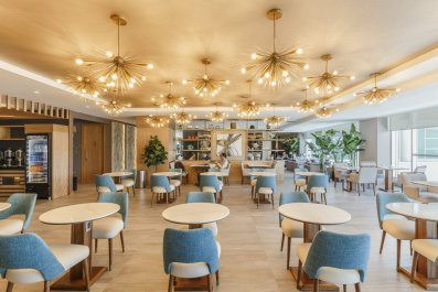 Best Airport Lounges COVER