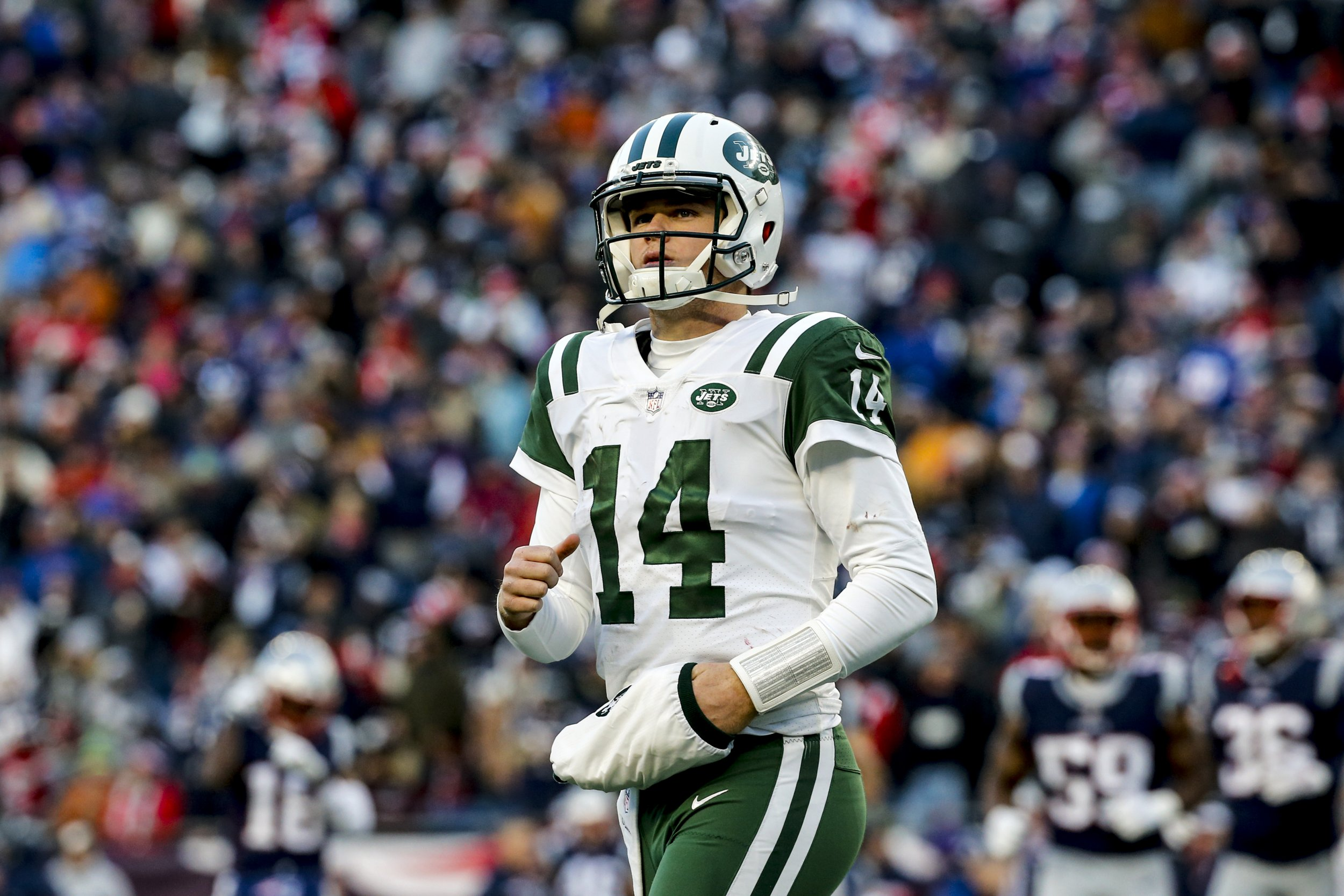 official photos 3f0ba 0da07 New York Jets Release New Uniforms, Spark Twitter Meltdown