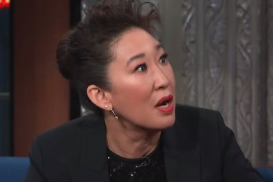 sandra oh the late show stephen colbert