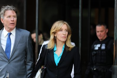felicity huffman college admission scandal pleads guilty