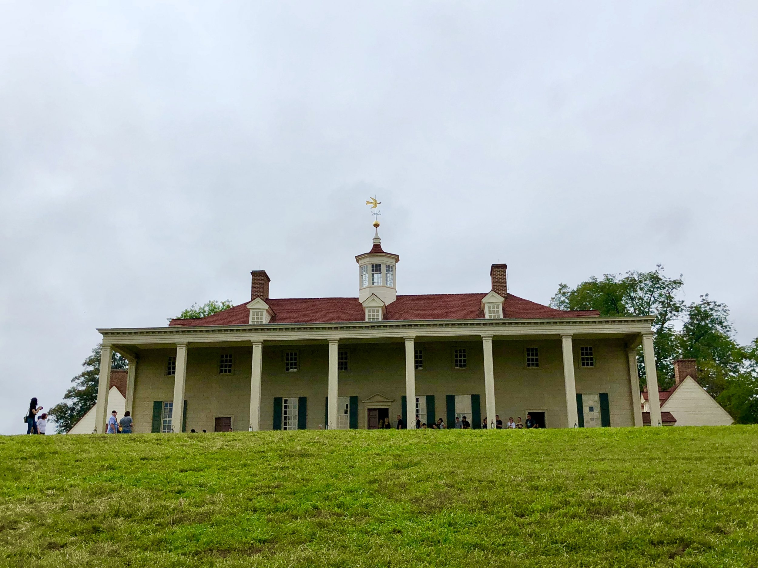 Trump Embarrasses Himself During Mount Vernon Tour