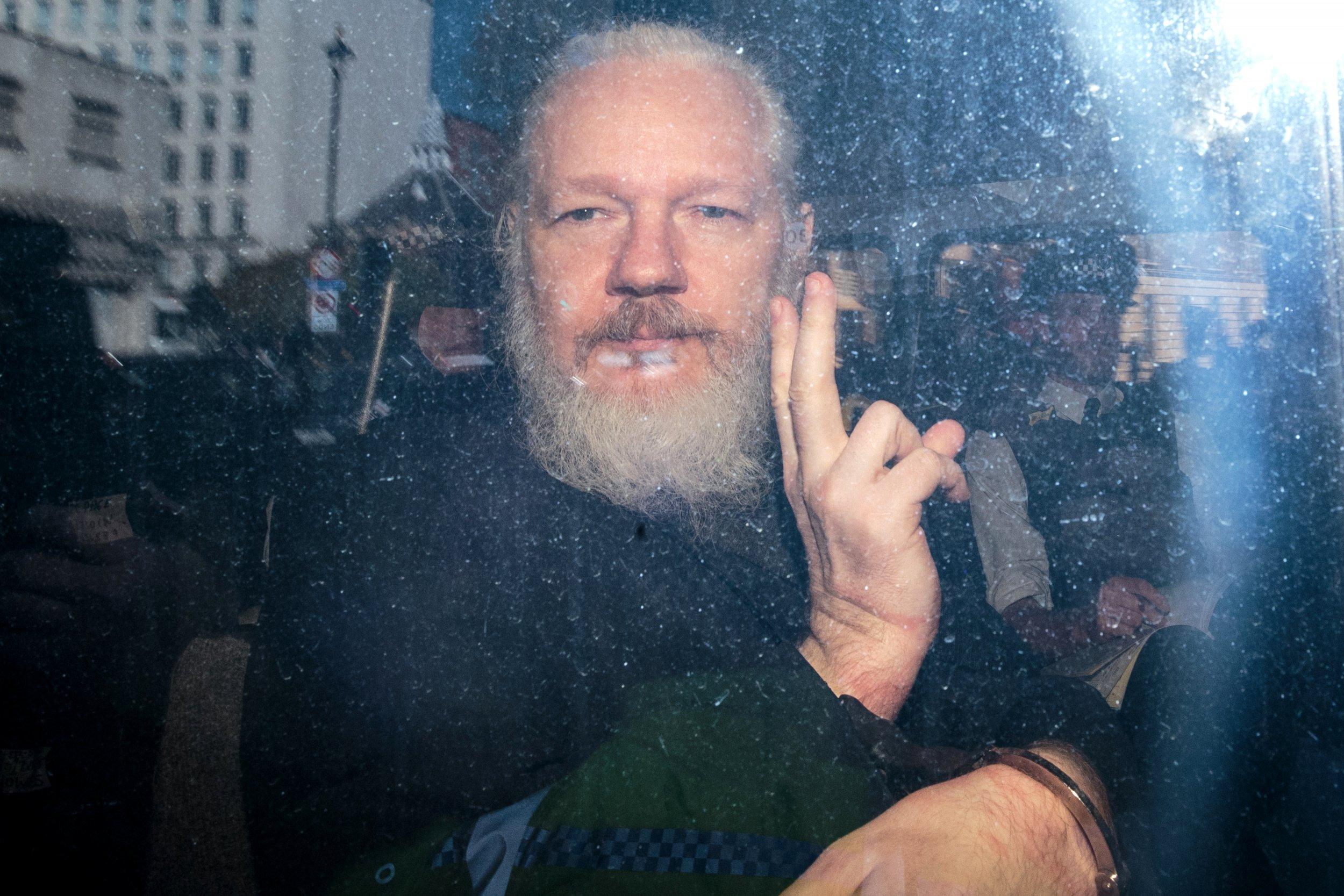 Julian Assange, Trevor Noah