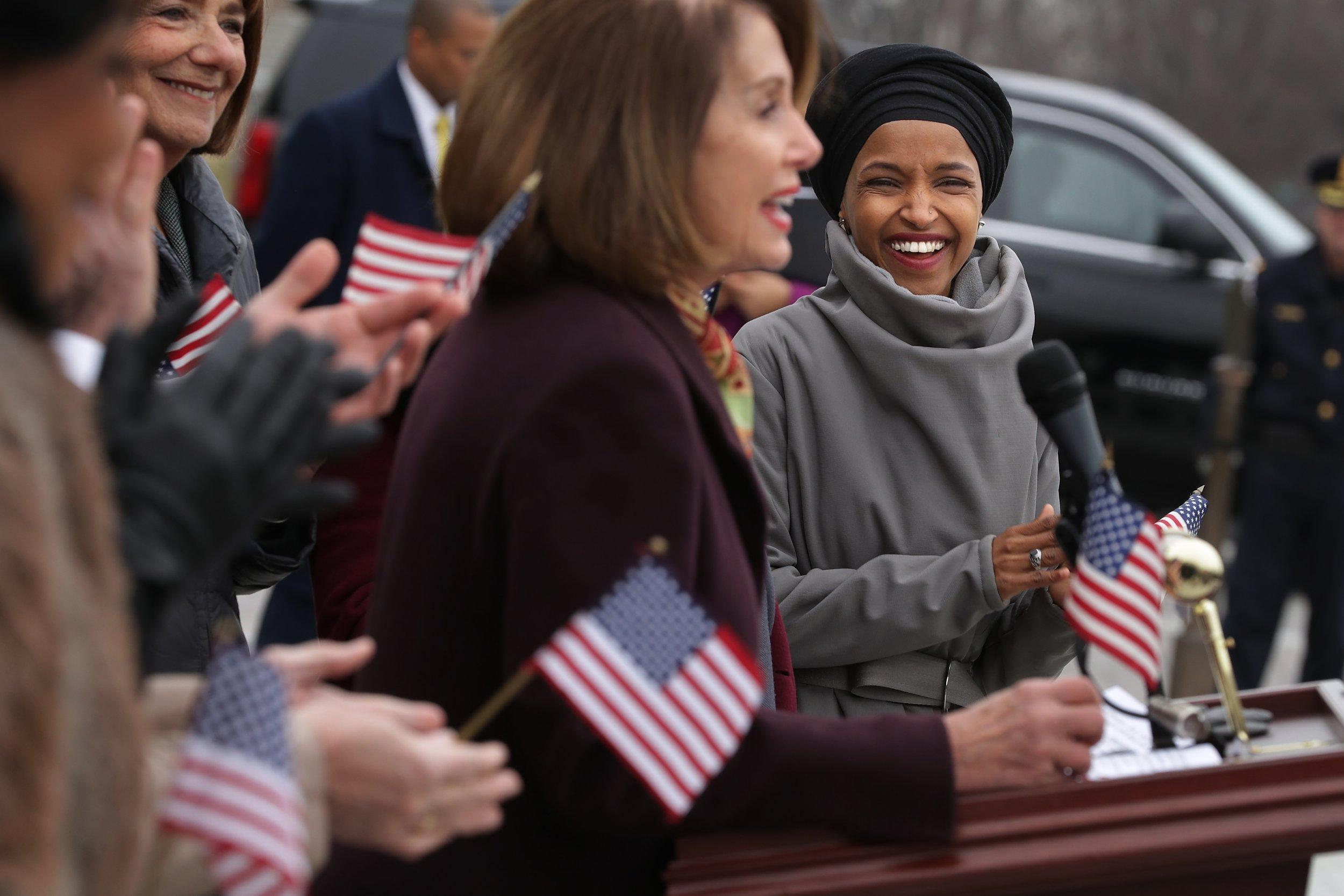 Nancy Pelosi, defends, Ilhan Omar, criticizes Trump