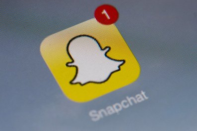 snapchat logo with notification game