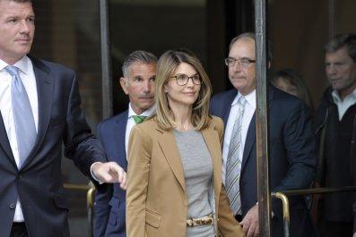 Lori Loughlin and Husband Enter Not Guilty Plea