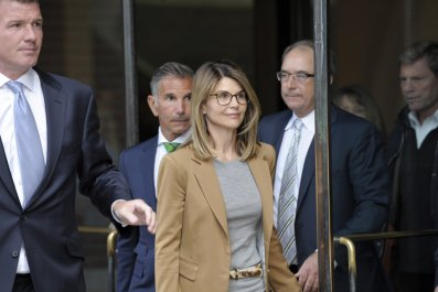 Lori Loughlin and Husband Enter Not Guilty Plea