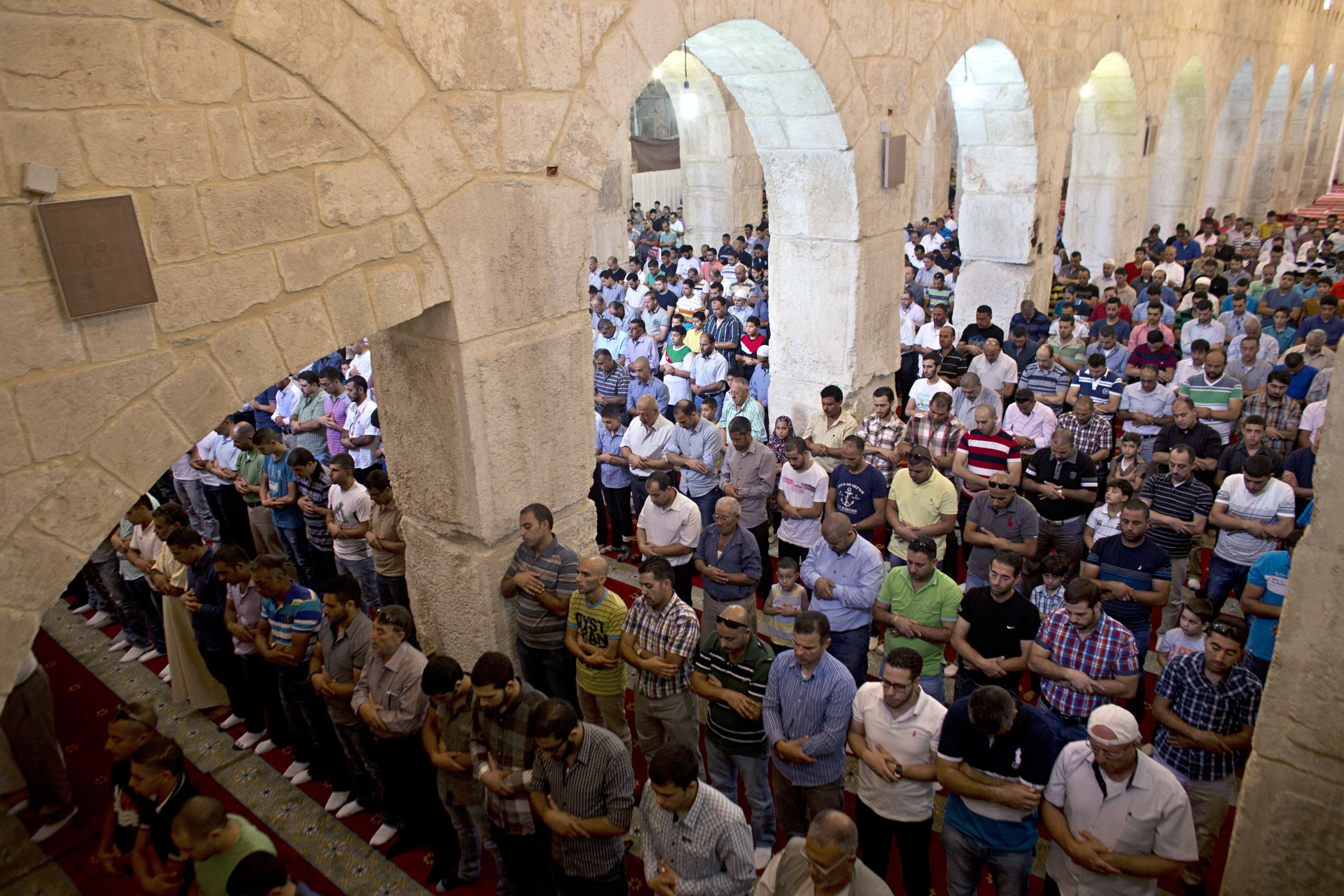 Palestinians tackle blaze at mosque in Al-Aqsa