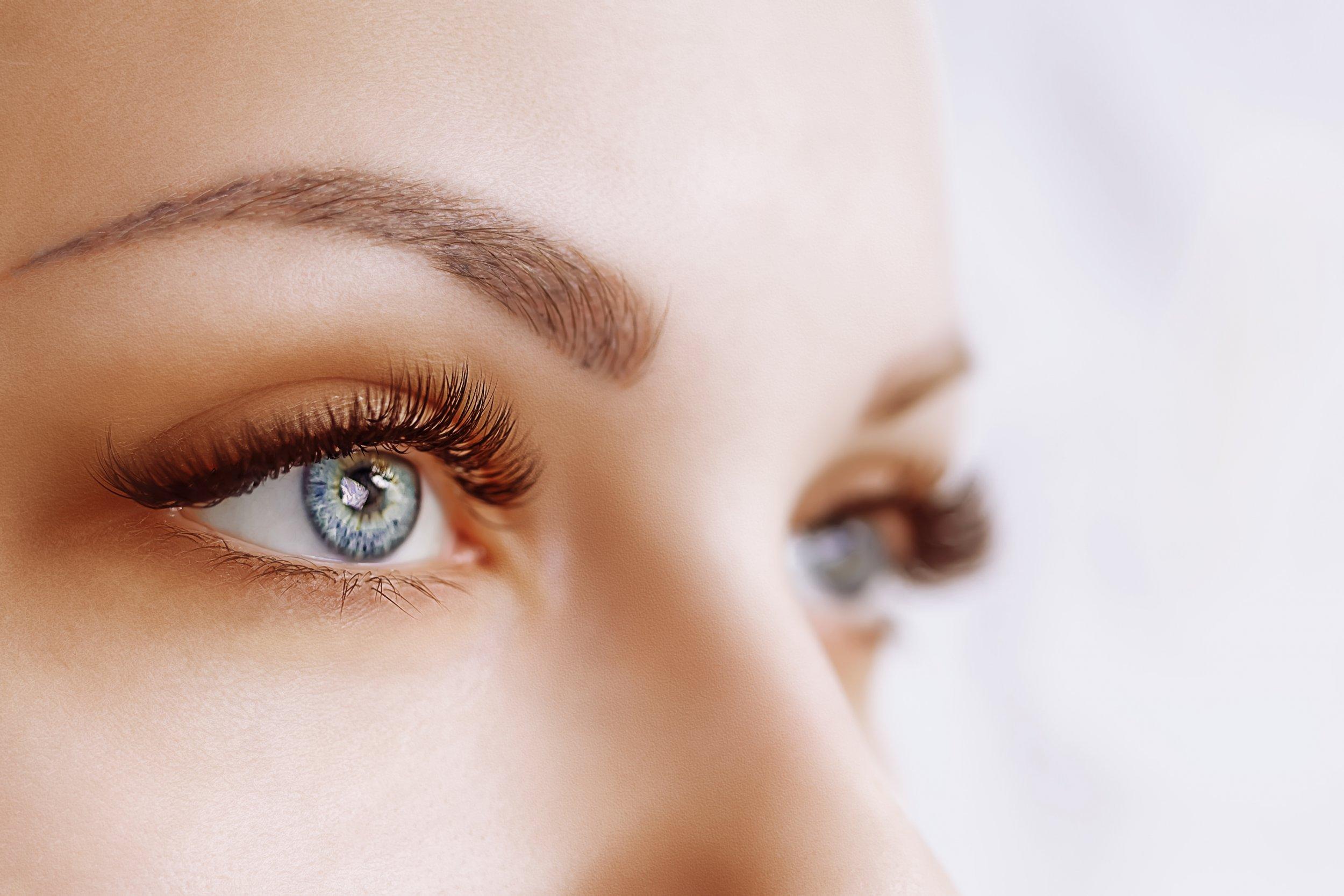 woman's face, eyes