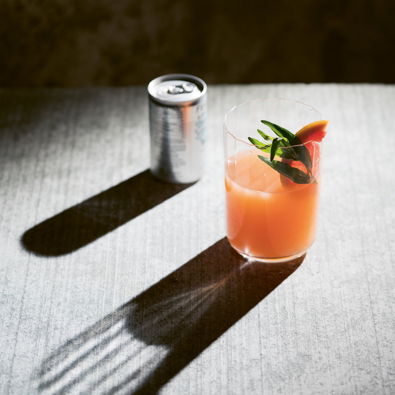 Let the Drinks beGIN: 5 Great Cocktails Made with Gin