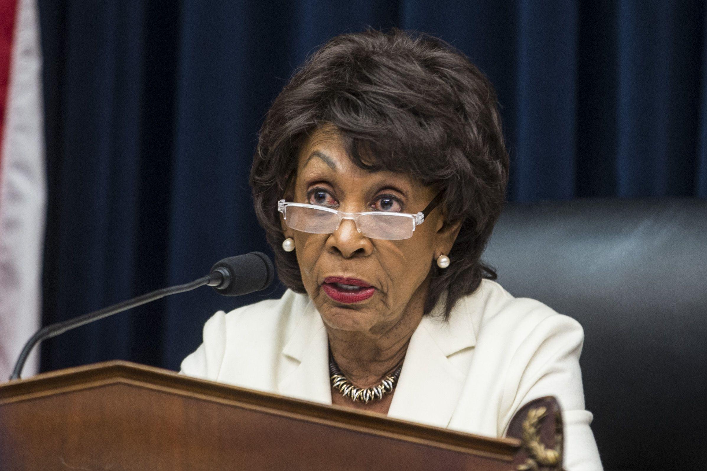 Maxine Waters Bill Barr Mueller report