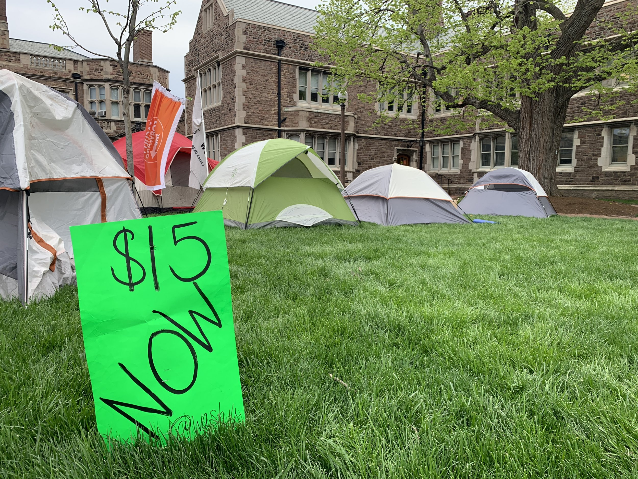 Washington University in St. Louis graduate students union living wage protest tent city