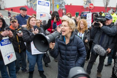 Warren Protests with Stop & Shop Workers