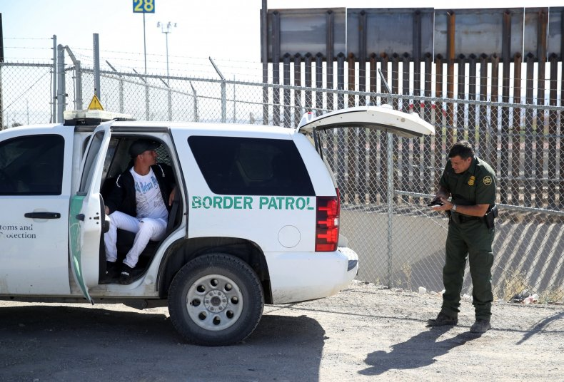 Democrats, support, trump, proposal, relocate, detained, migrants