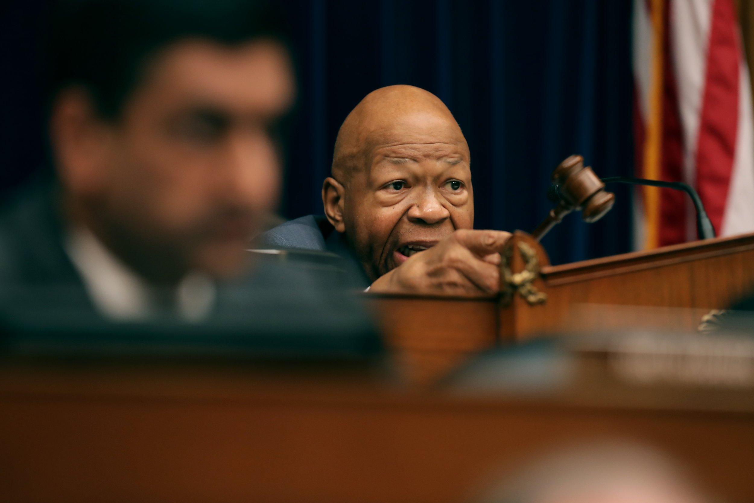 Elijah Cummings, threatens jail time, former White House official