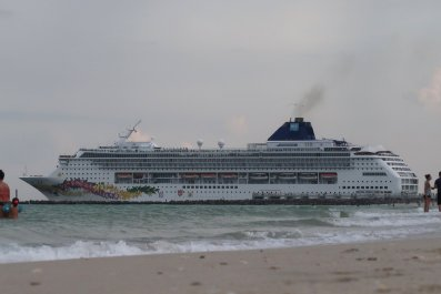 Adult-only Cruise Ship Norovirus Outbreak Strikes ...