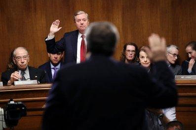 Lindsey Graham Invites Robert Mueller to Testify