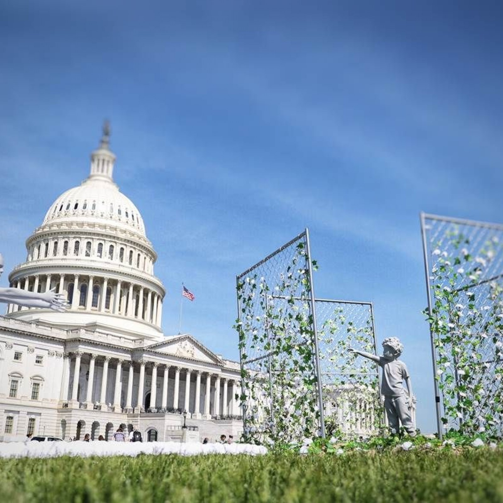 Stupendous Theres A Caged Child On Capitol Lawn And Its Marking The Pabps2019 Chair Design Images Pabps2019Com