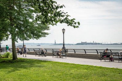 7 Best Things to Do on the Westside Waterfront in Manhattan COVER