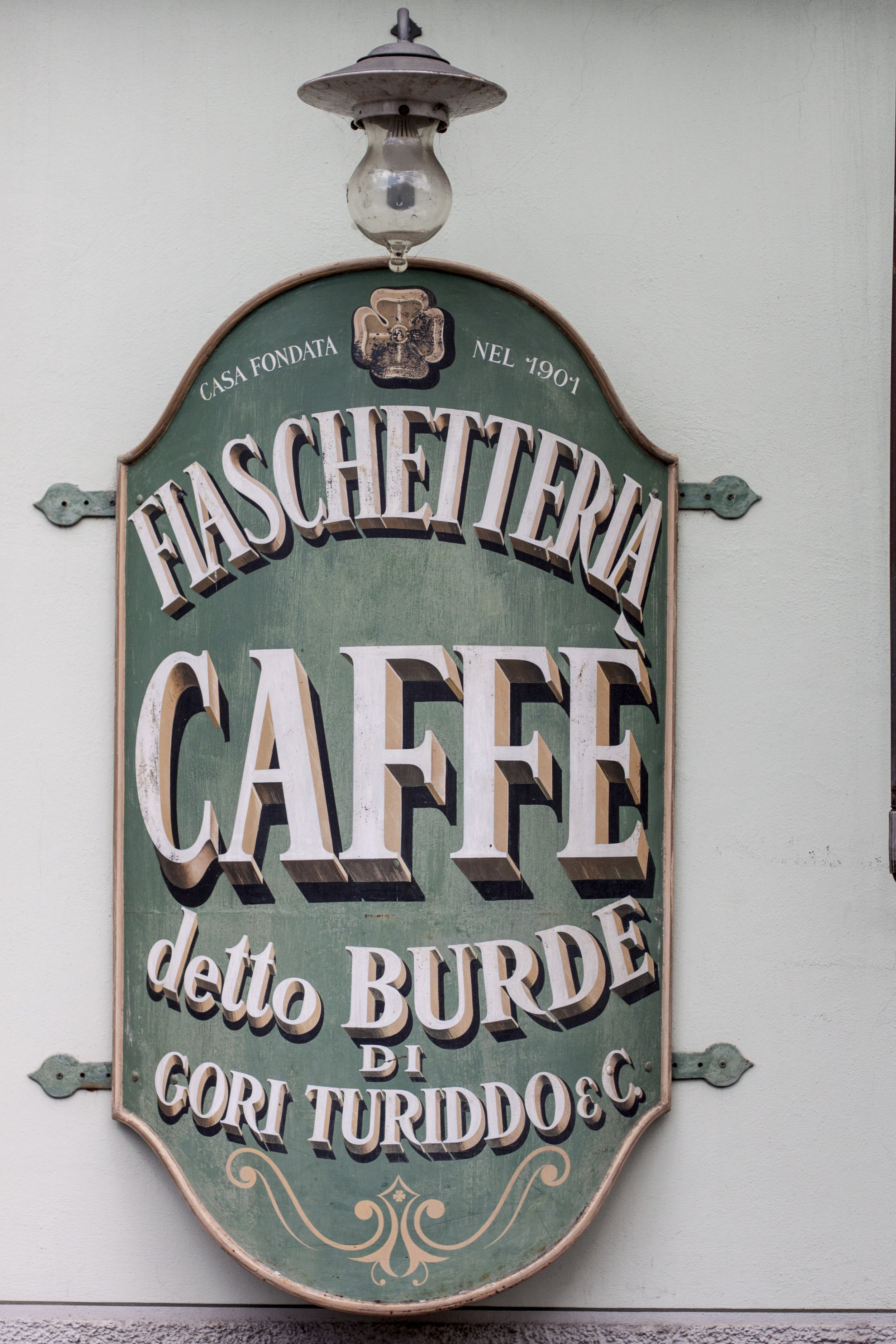 Caffe de Burde photo credit Emiko Davies