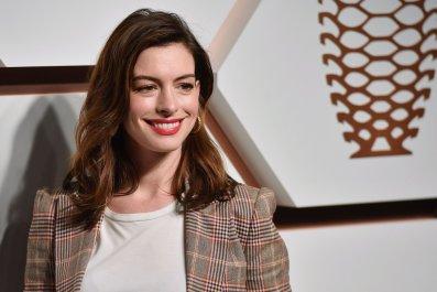 Anne Hathaway, RuPaul