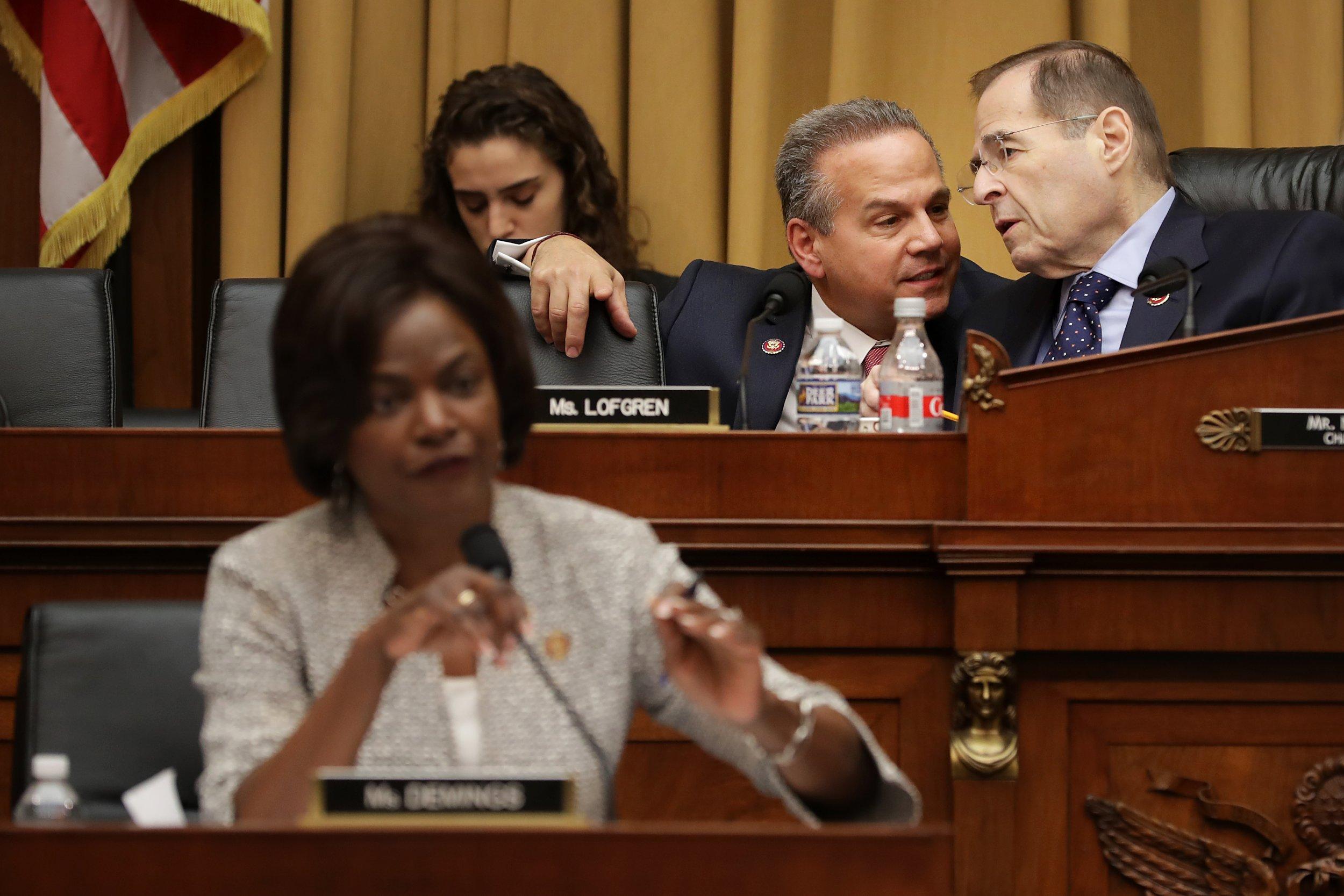 Key Democrats moving closer to impeachment, trump stonewalling