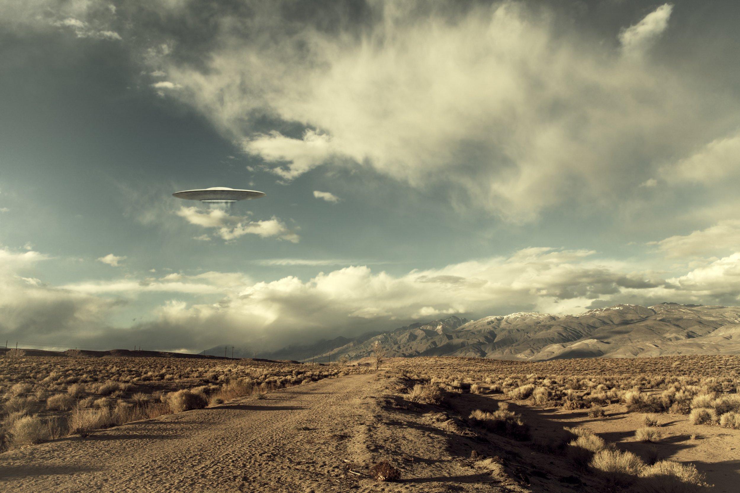 UFO, desert
