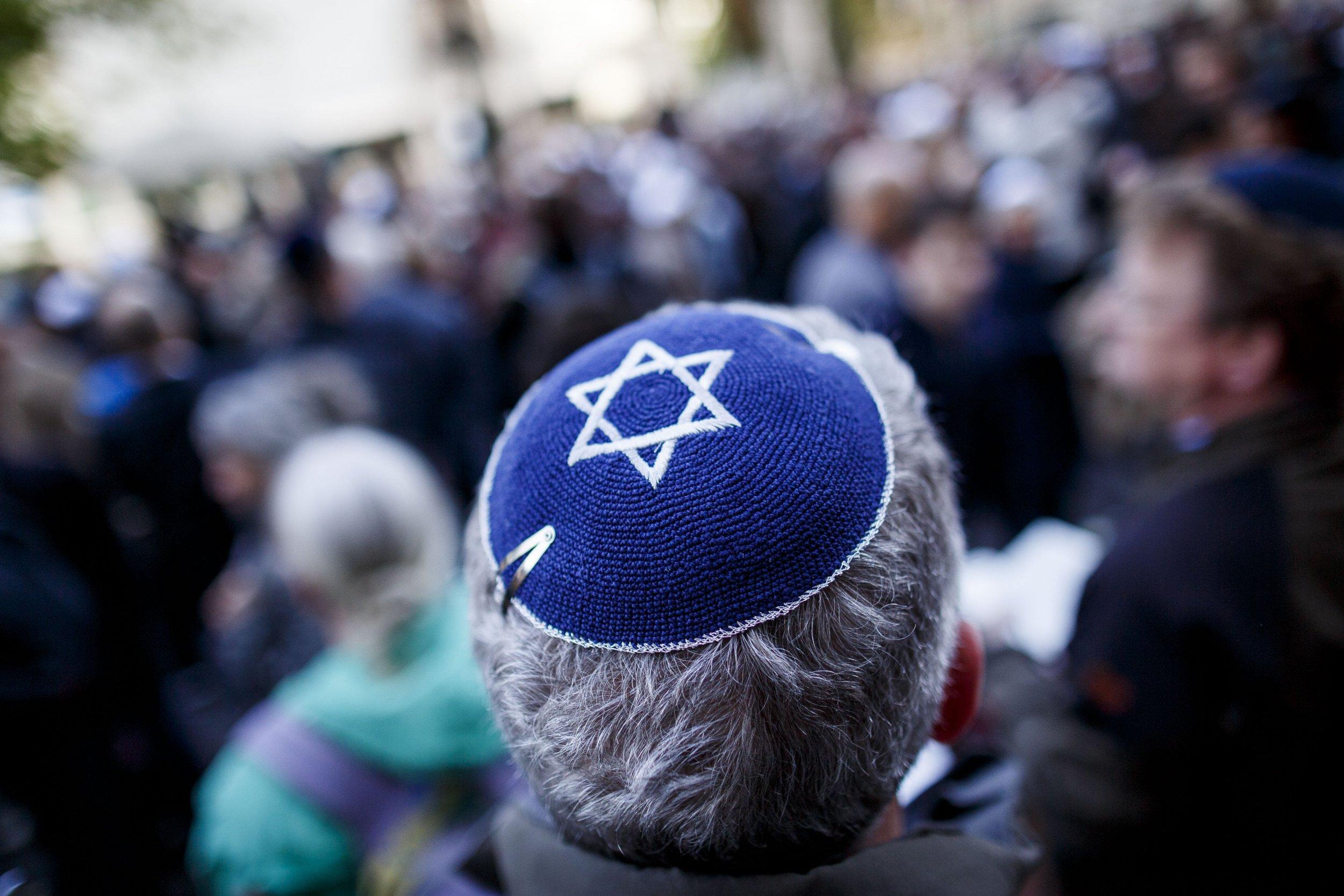 Kippah far-right Poland anti-semitism debate