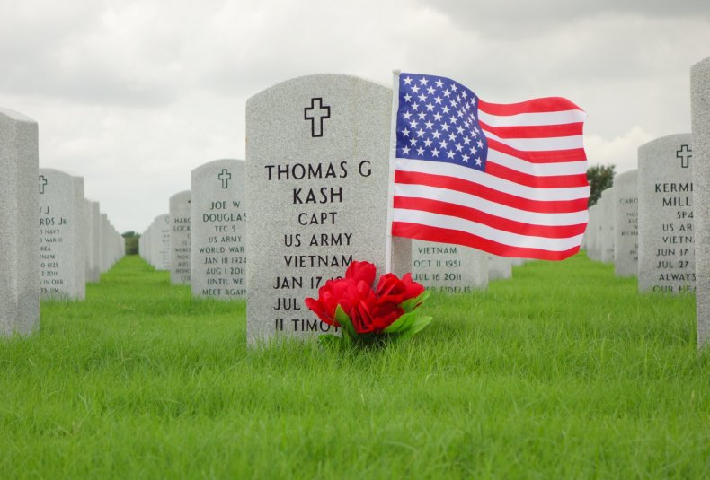 memorial day facts how it's different from veterans day
