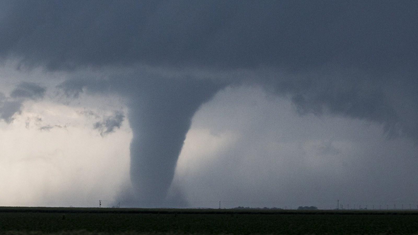 Illinois, Missouri, Texas Severe Tornado, Thunderstorms