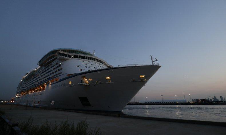 Cruise ship, thumb, crash, amputation