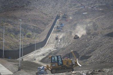 Border Wall, Construction