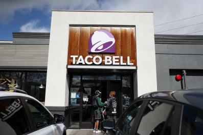 Taco Bell, Police