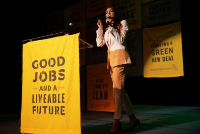 Ocasio-Cortez ridicules 2020 Democrats' climate plans