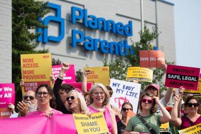 planned parenthood missouri abortion ban protest