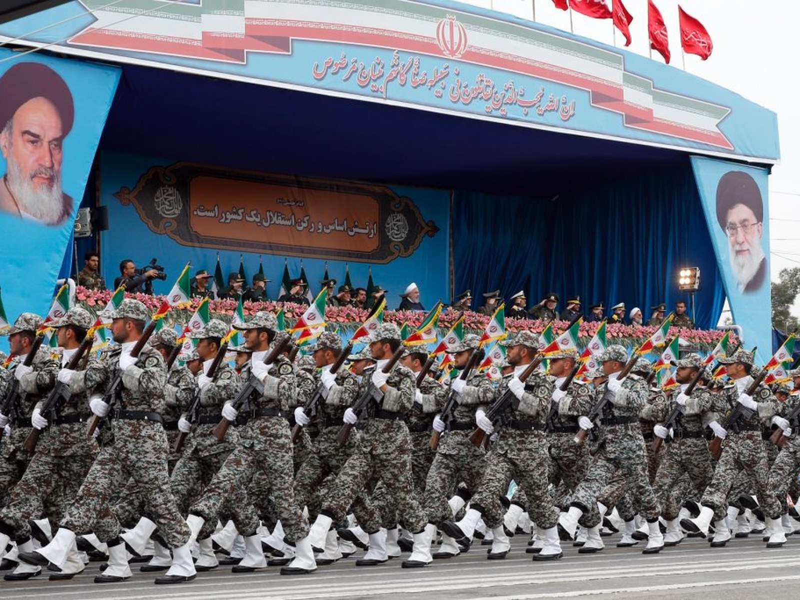 U S  Navy Would 'Push, Shove, Stomp and Destroy' Iran 'In a