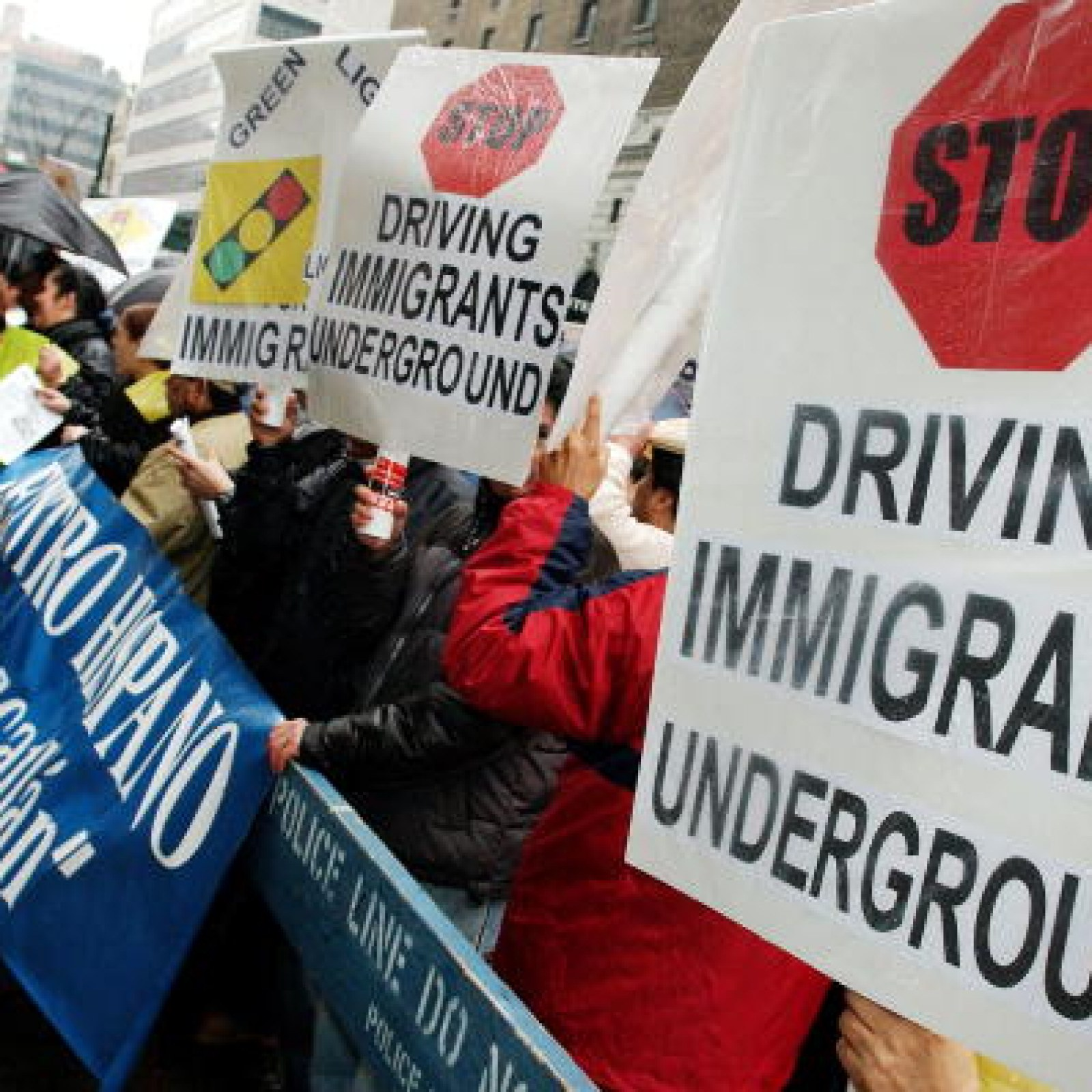 NY Lawmakers Approve Drivers Licenses for Undocumented