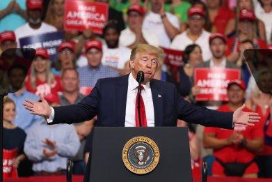 Trump-live-tweeting-debates