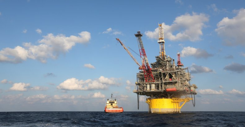 Republicans join Dems to ban offshore drilling