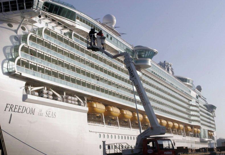 Freedom of the Seas, Royal Caribbean, Crash