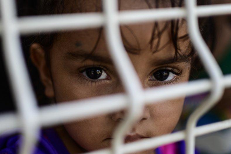 Migrant child border
