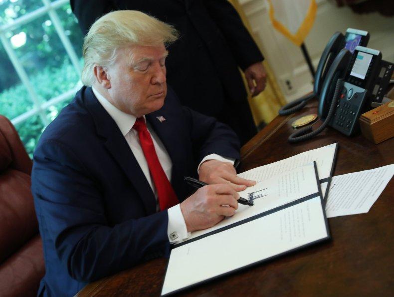 Donald Trump, Iran, sanctions, war crime