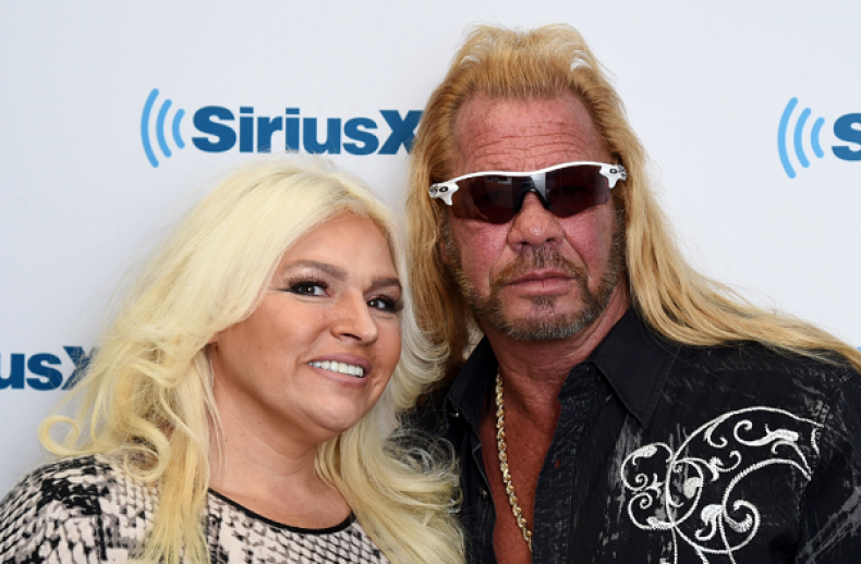 Beth Chapman Update: Dog the Bounty Hunter Shares Twitter Photo of Wife in Hospital Bed