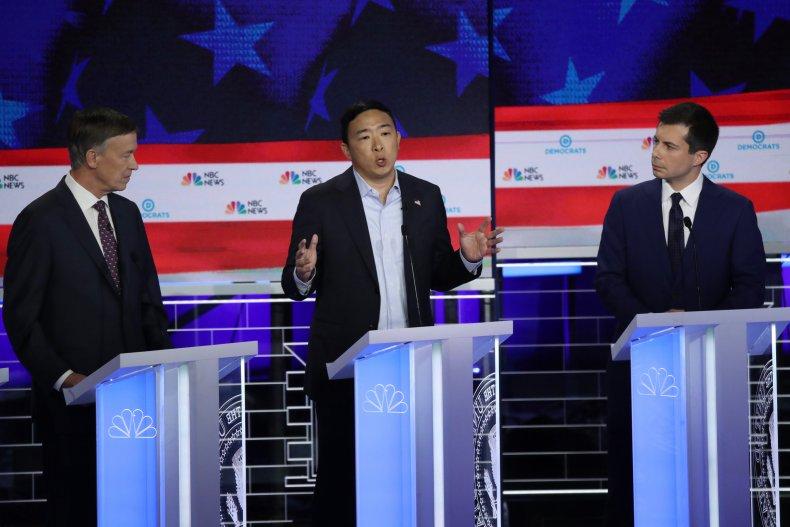 Andrew Yang Says Mic off during debate