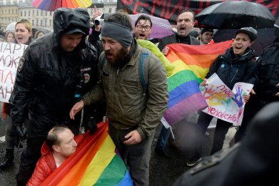 russia gay lgbt protest