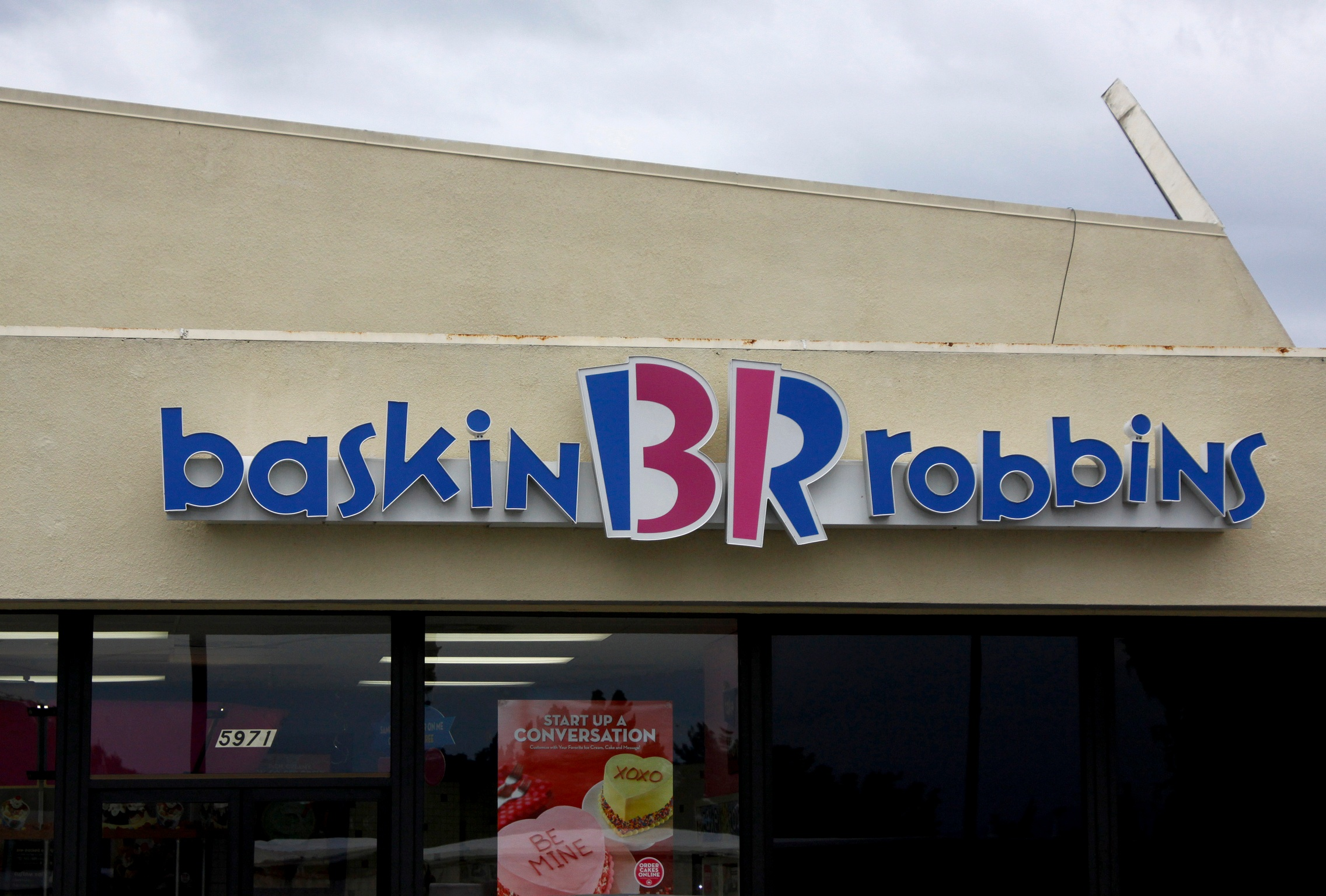 Baskin-Robbins Accused of Sexualizing Child Model Ella Gross