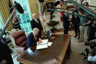 trump-pence-iran-sanctions
