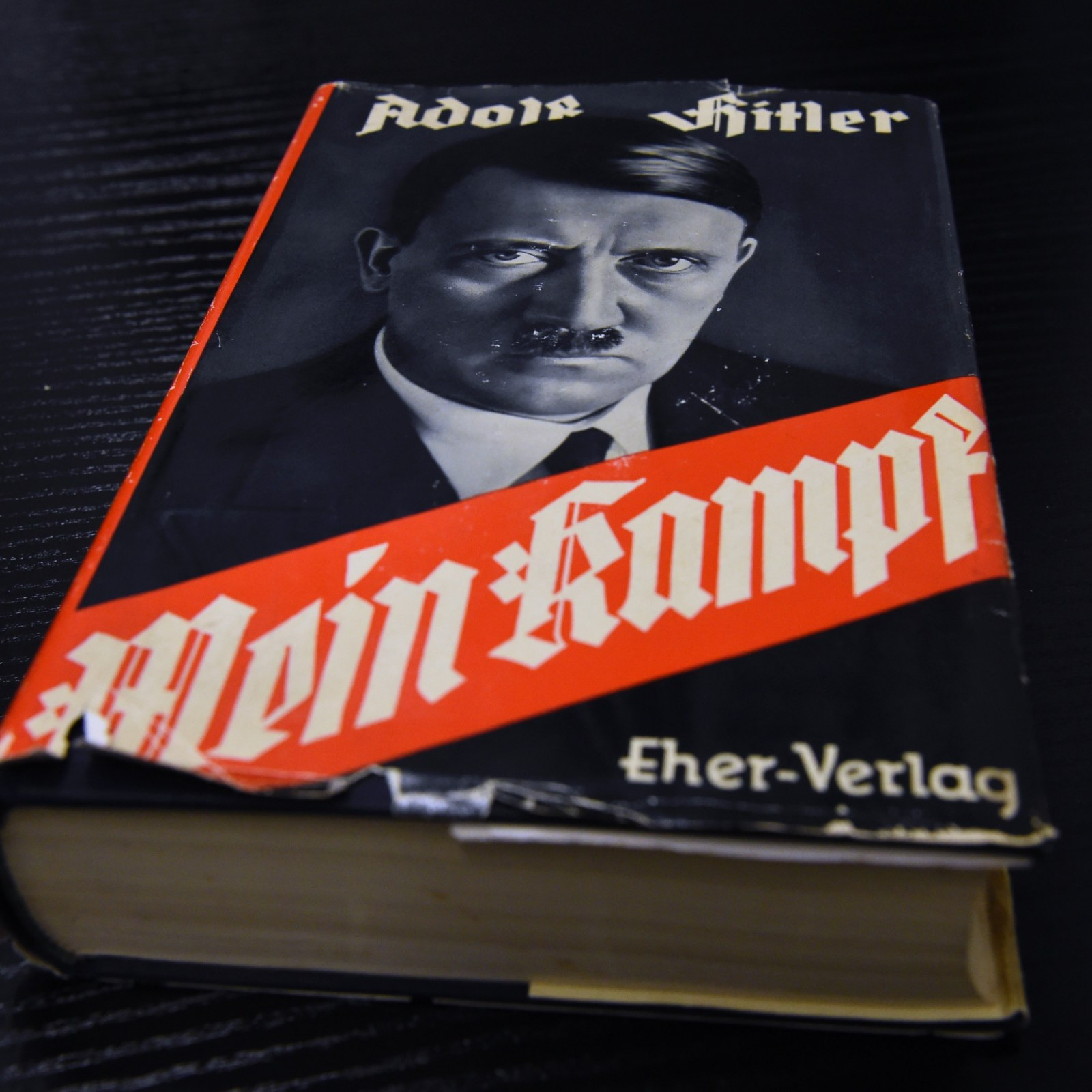 Amazon, Walmart, Barnes & Noble Found Selling Hitler's 'Mein