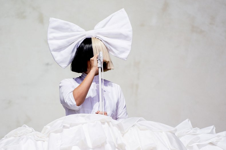Taylor Swift Fans Accuse Sia of Blackface