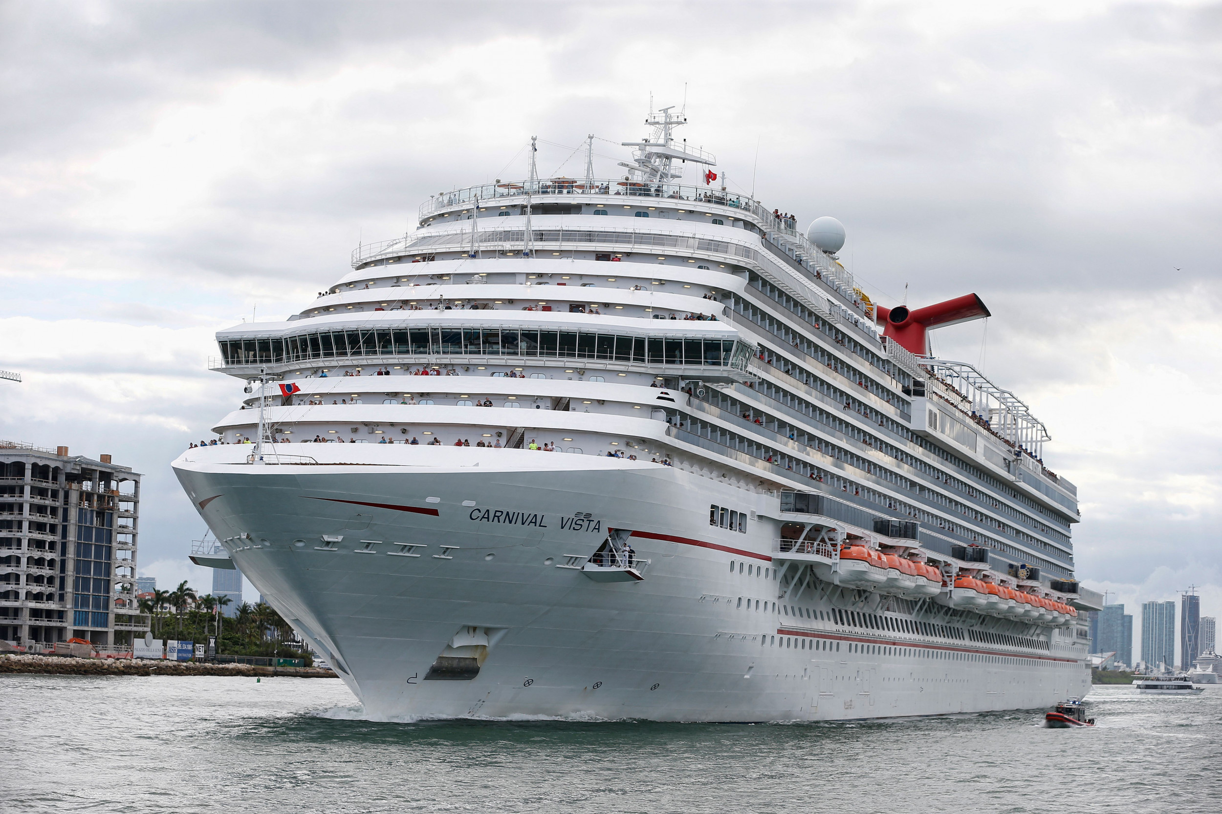 Power Cut Aboard Massive Cruise Ship Plunges Vessel Into