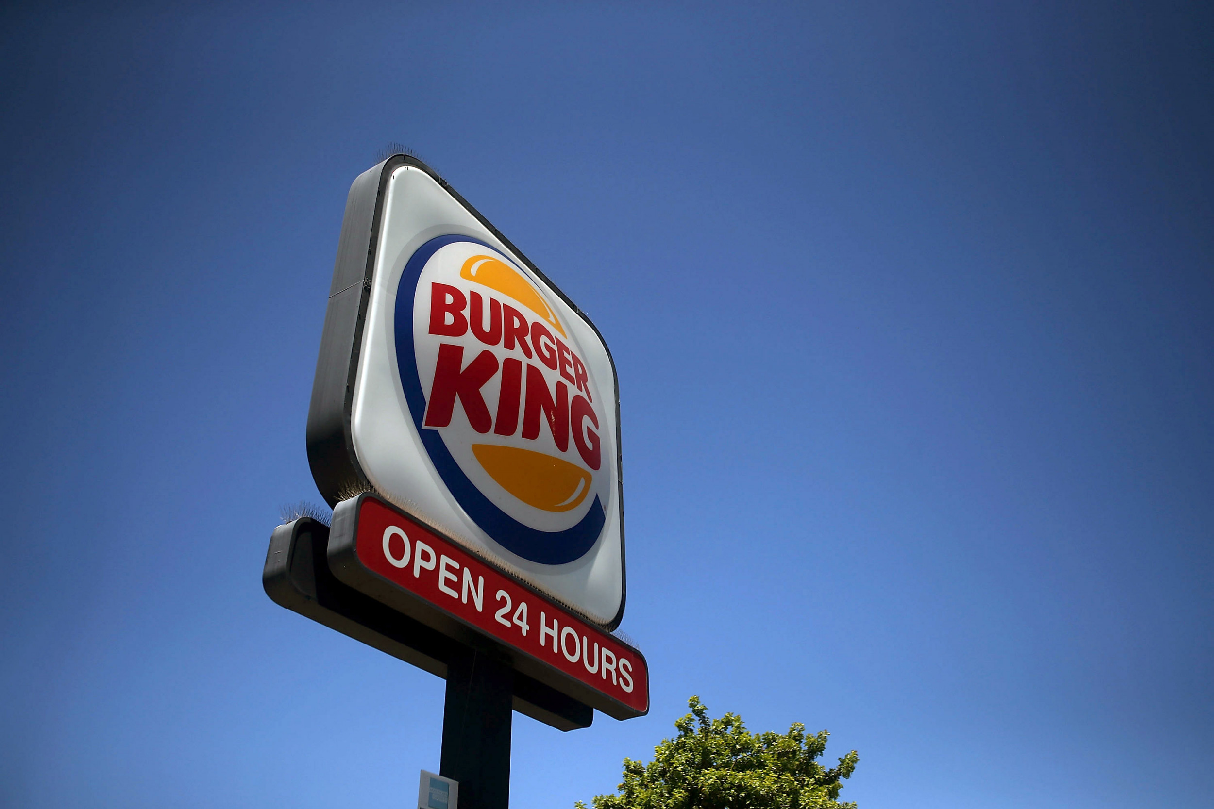 """""""Go back to Mexico"""": Viral video shows Burger King manager abused by two women"""